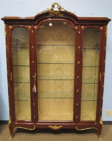 Francois Linke kingwood and ormolu vitrine, signed and stamped. Don Presley Auctions image.