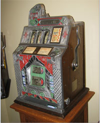 1932 5c Mills Eagle slot machine that pays out in both coins and mints. Image courtesy Mark Schlesinger, dealer