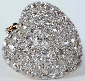 14K gold heart-shape pendant